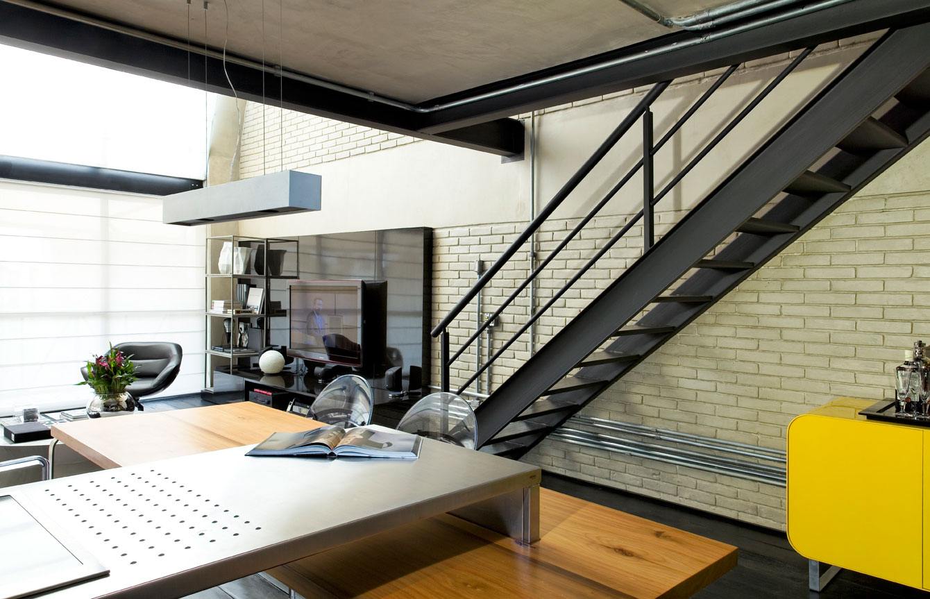 Industrial-Loft-By-Diego-Revollo-4