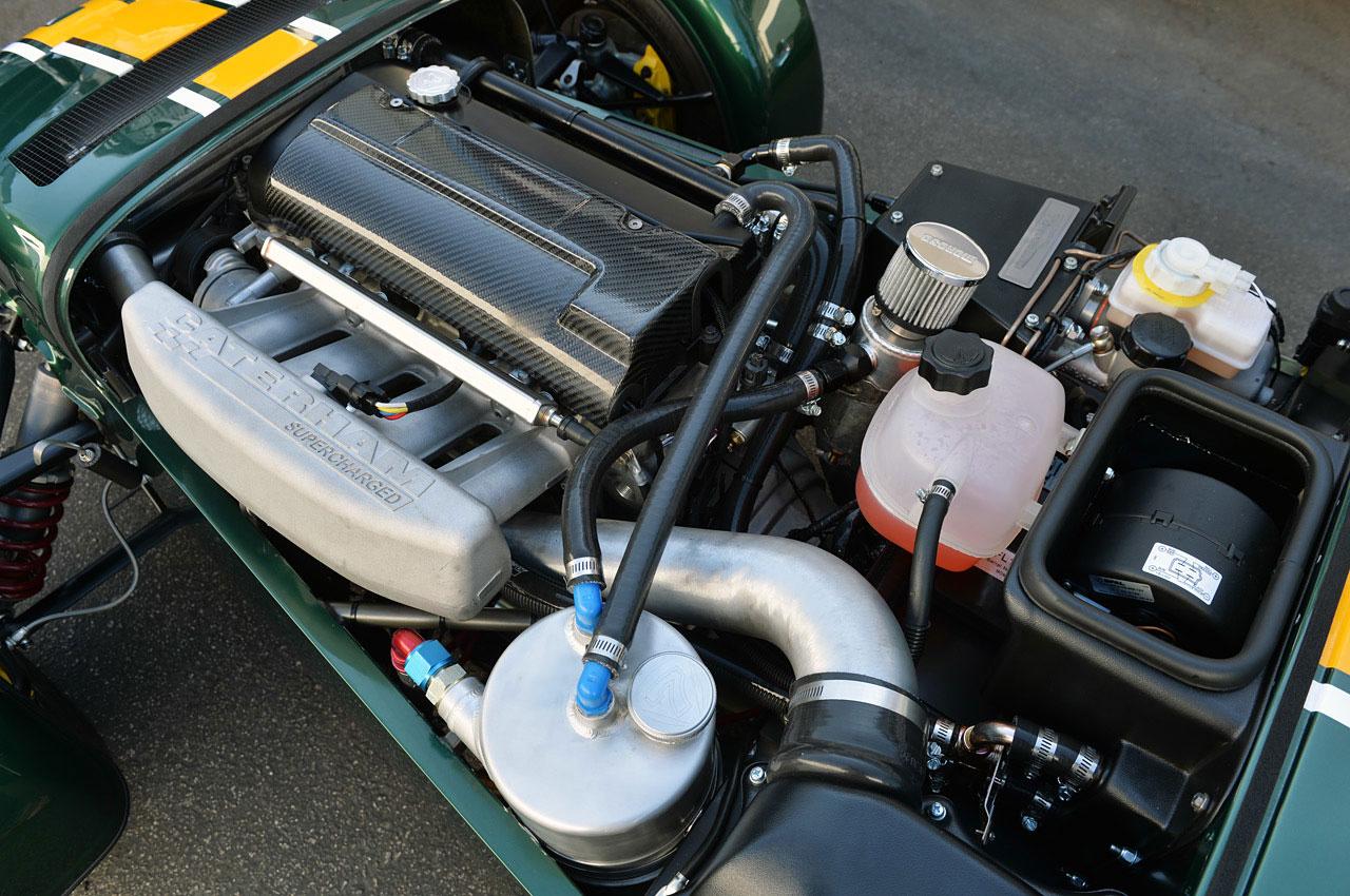 2015-Caterham-Seven-620-R-engine