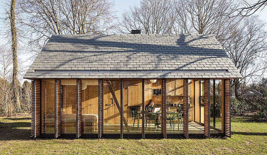 Recreation-House-By-ZECC-Architects-03