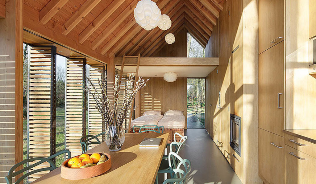 Recreation-House-By-ZECC-Architects-04