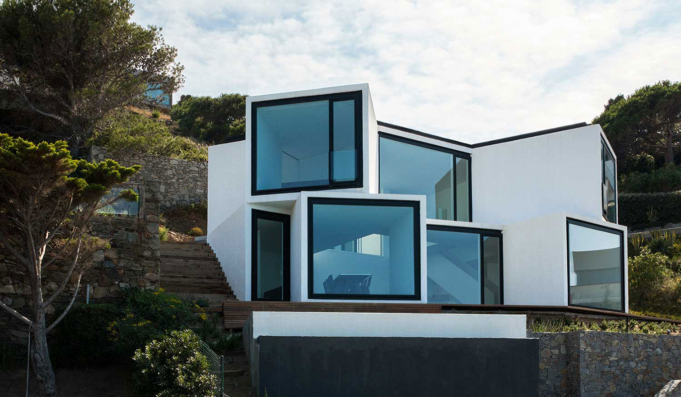 SUNFLOWER HOUSE BY CADAVAL & SOLA-MORALES ARCHITECTS