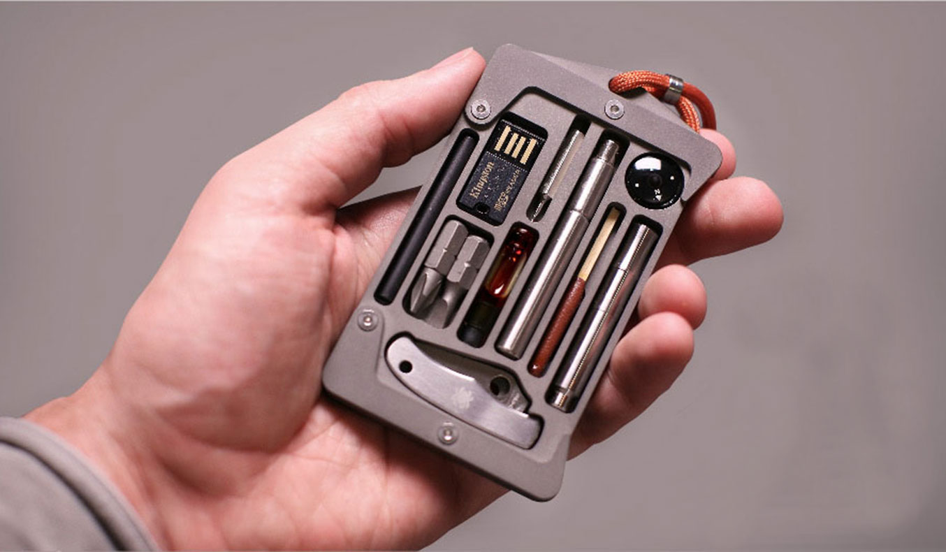 JACKFISH SURVIVAL SYSTEM AND CARD HOLDER