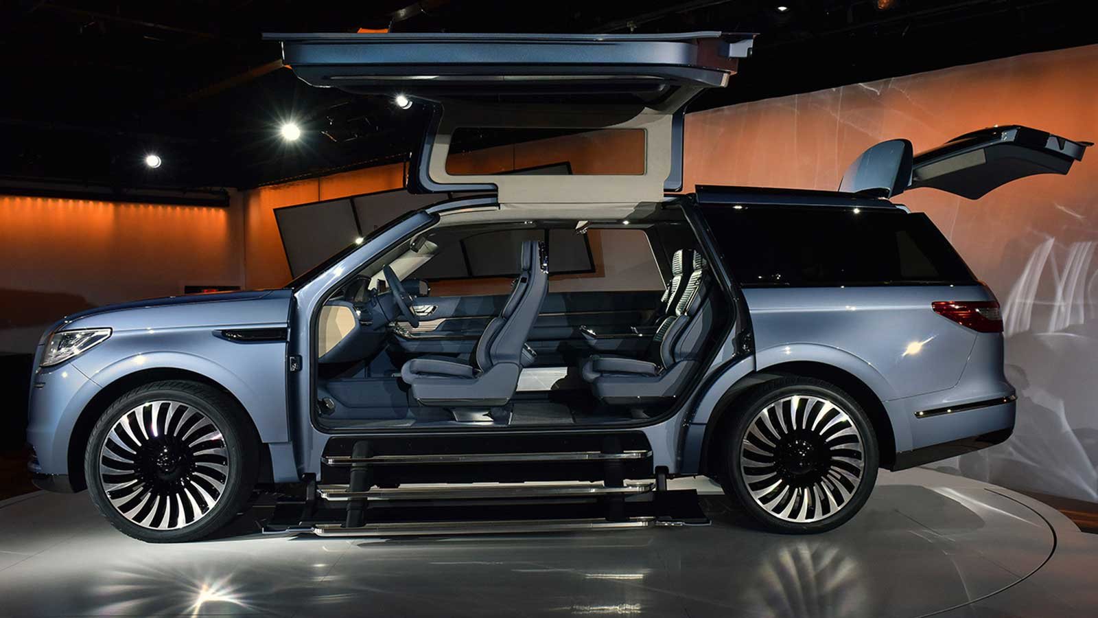 Lincoln-Navigator-SUV-Concept-2