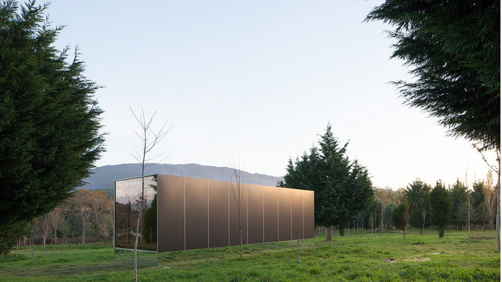 The-Mima-Light-Floating-House-3